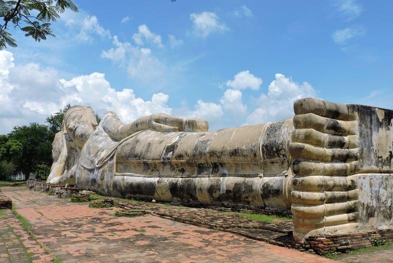 Wat Lokaya Sutha y un buda de mas de 37m