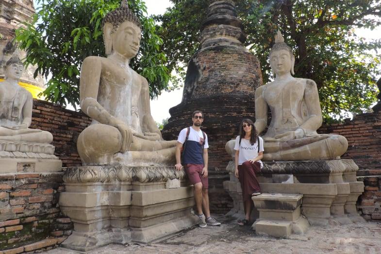 Paseando entre las ruinas del templo Wat Yai Chai Mongkol