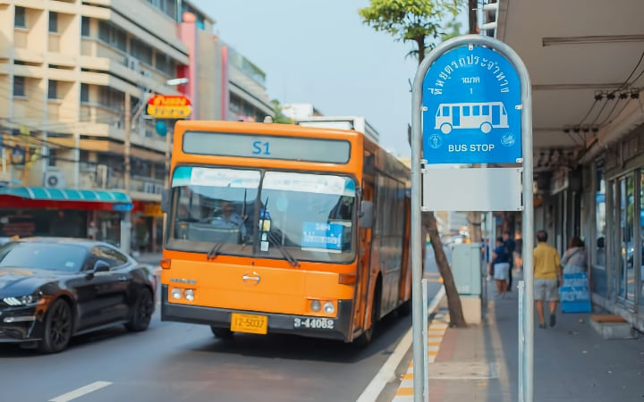 Autobus S1 que te lleva del aeropuerto a Khao San Road