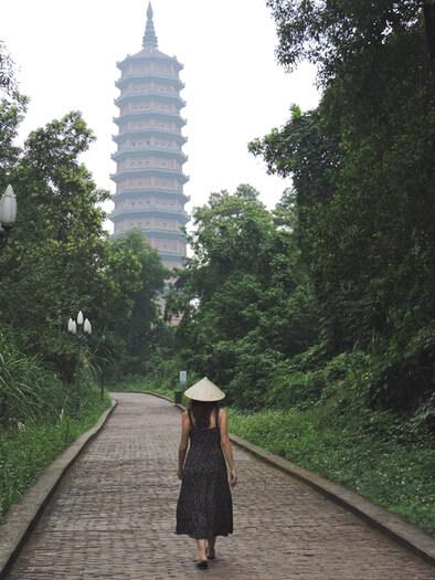 Camino hasta la pagoda Bai Dinh