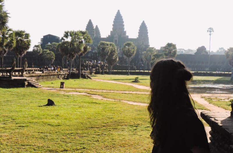 Angkor Wat desde las bibliotecas