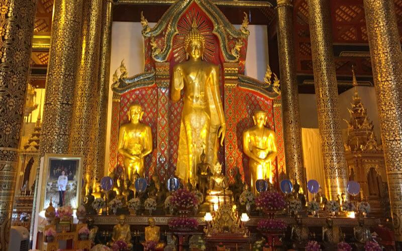 Interior templos Chiang Mai
