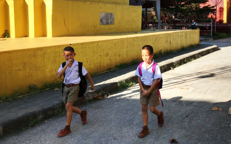 Niños de la escuela de Chiang Mai