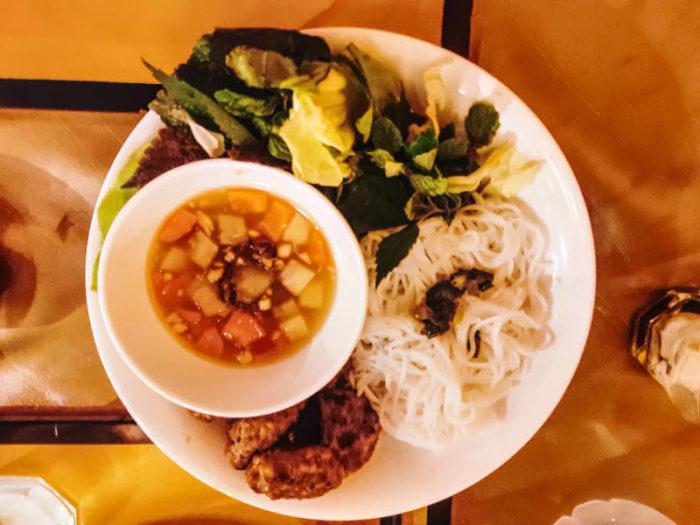 Ban Chau plato típico de Hoi An