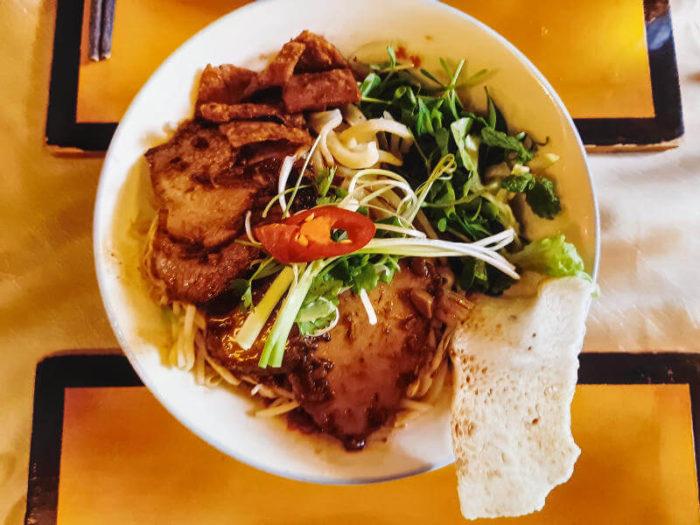 Cao Lau plato típico de Hoi An