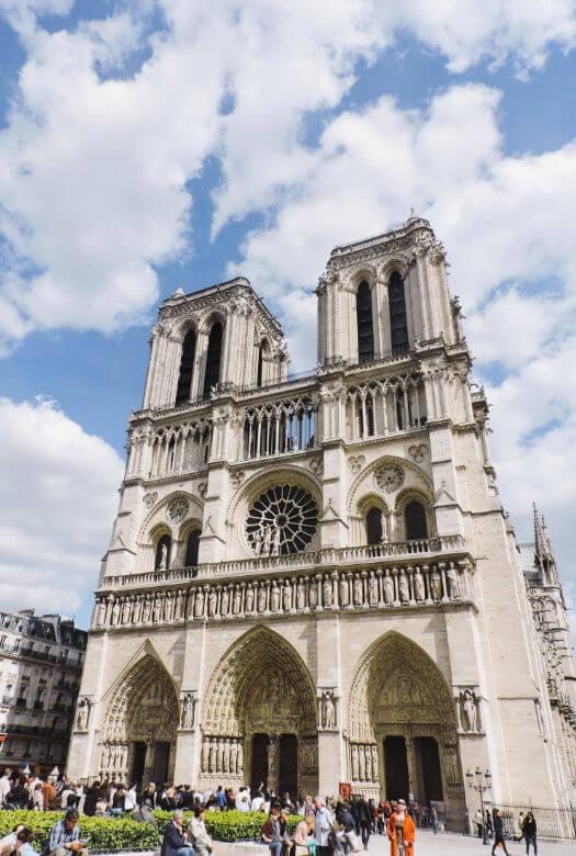 Entrada Notre Dame