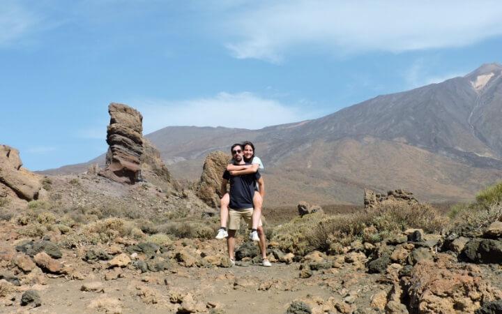 Nosotros visitando los Roques de García en el parque nacional del Teide