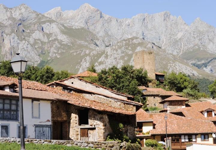 Ver Mogrovejo, uno de los pueblos más bonitos de Cantabria