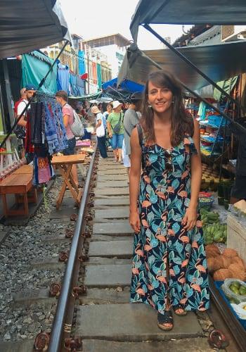 Visita al mercado del tren en Bangkok Lucia