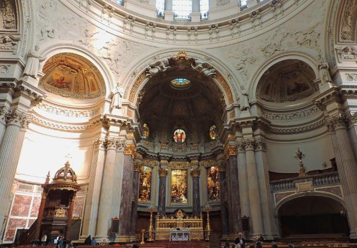 Interior de la catedral de Berlín