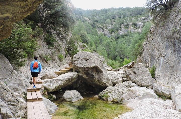 Inicio de las pasarelas del rio Matarraña