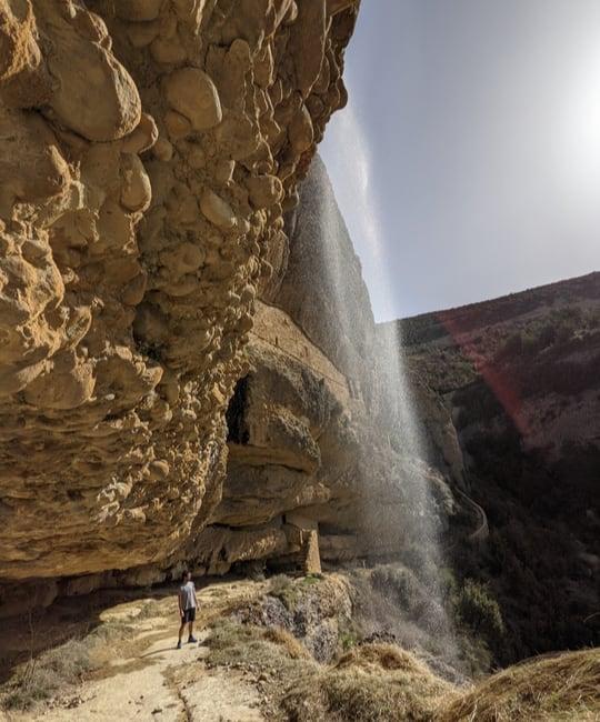 Camino entre rocas ruta ermitas de Yebra de Basa
