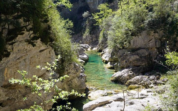 Río Bellós por el cañón de Añisclo