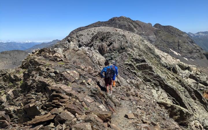 Cresta hacia el pico Robiñera con el macizo de La Munia