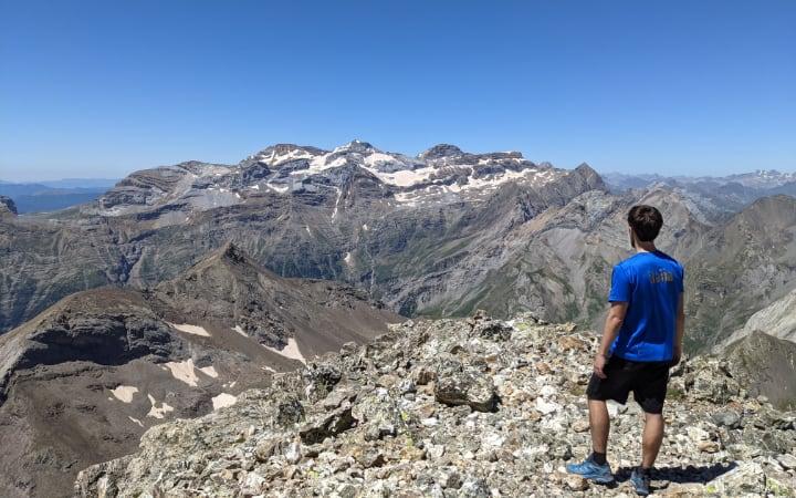 Vistas del macizo de Monte Perdido desde el pico Robiñera