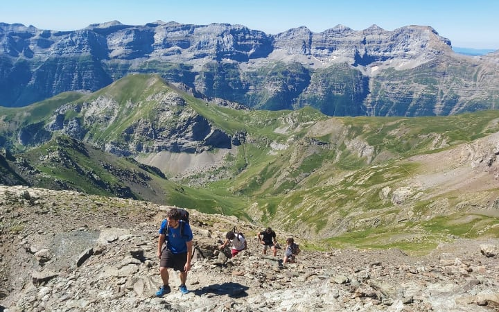 Dura ascensión al pico Robiñera