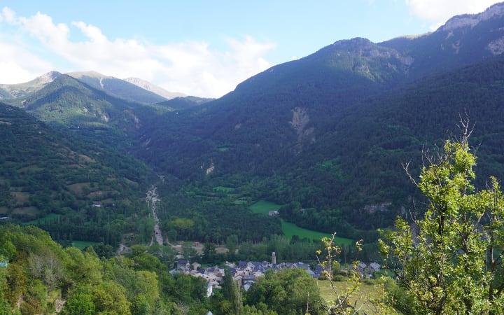 Vistas de Plan y el valle de Chistau